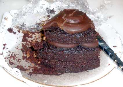 cafe-latte-chocolate-chocolate-cake.jpg
