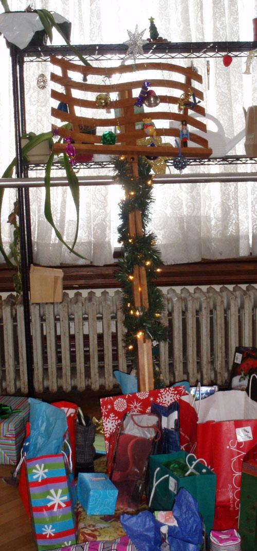 o-christmas-stand
